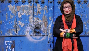 چیستا یثربی نویسنده داستان پستچی