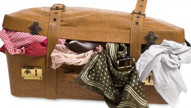لباس ها را در چمدان جا بدهیم؟